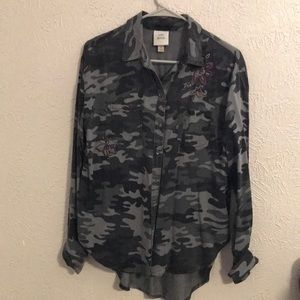 Camo Knox Rose Small Button up
